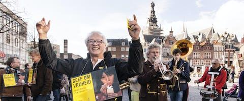 Muzikale kick-off van de collecteweek door regionale groep van Amnesty in Nijmegen