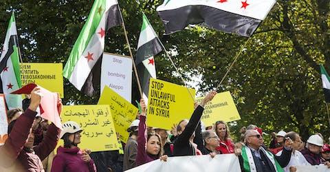 Demonstratie tegen de bombardementen op Aleppo bij de Russische ambassade in Den Haag