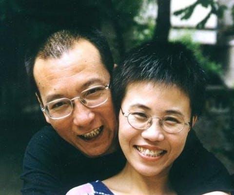 Liu Xiaobo en Liu Xia, augustus 2001.