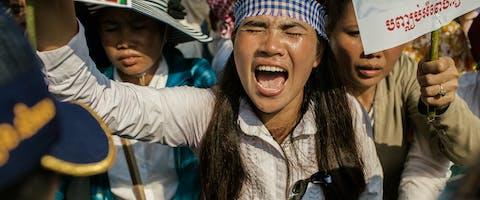 De Cambodjaanse mensenrechtenverdedigster Tep Vanny tijdens een demonstratie. Foto: Thomas Cristofoletti/Ruom