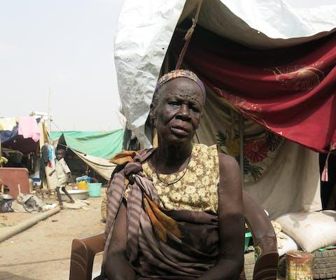 Een gevluchtte Shilluk vrouw uit Zuid-Sudan in Malakal vluchtelingenkamp