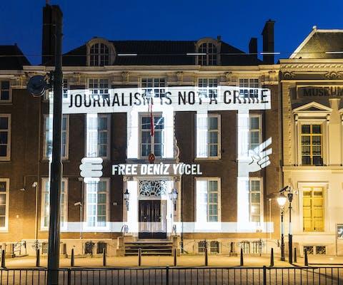 Actie voor journalisten bij Turkse ambassade.