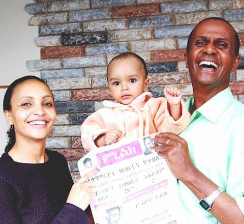 Eskinder Fasil, zijn vrouw Serkalem Fasil en hun zoon Nafkot.