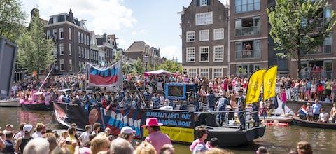 De Amnesty-boot tijdens de Gay Pride in 2013