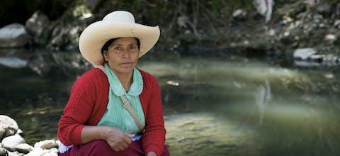 In 2017 maakte een uitspraak van het hooggerechtshof van Peru een einde aan de rechtszaak tegen mensenrechtenverdediger Máxima Acuña. Er liep een zaak tegen haar omdat ze weigerde haar grond af te staan aan een mijnbouwbedrijf.