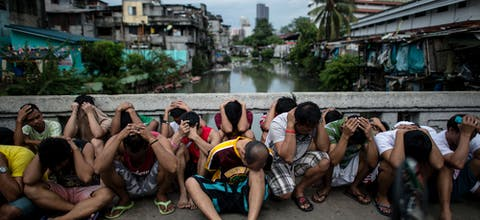 Drugsverdachten bij anti-drugsoperatie in de Filipijnse hoofdstad Manilla