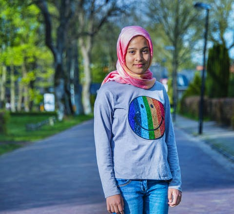 Het Afghaanse meisje Kosar dreigt naar Afghanistan te worden uitgezet met haar familie.