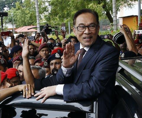 Anwar Ibrahim uit Maleisië bij zijn vrijlating op 16 mei 2018.