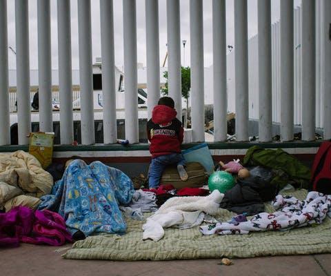Kinderen aan de grens van Mexico en de Verenigde Staten