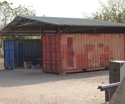 In deze containers in Zuid-Sudan werden in 2015 gevangenen opgesloten