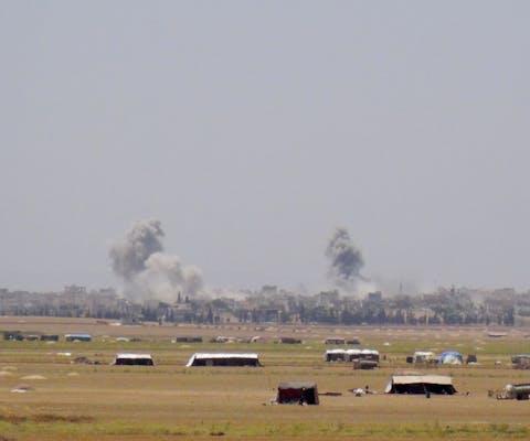 Luchtaanval door de troepen van Assad in Idlib, Syrië. 17 burgerdoden waren het gevolg.