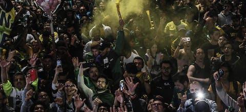 Aanhangers vieren de overwinning van Bolsonaro in de straten van Sao Paolo