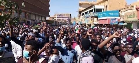 Demonstratie tegen de regering van Omar al-Bashir in Omdurman, Sudan
