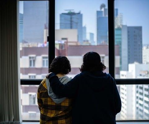 Reem en Rawan uit Saudi-Arabië in Hongkong