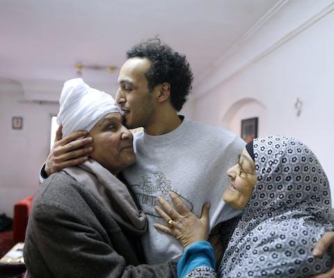 De Egyptische fotograaf Mahmoud Abu Zaid, beter bekend als Shawkan, na zijn vrijlating