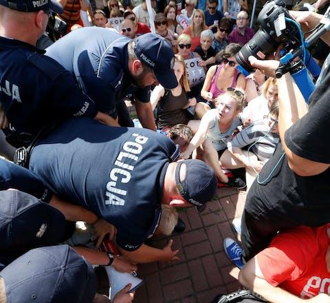 Protest in de Poolse stad Gdansk tegen de toegenomen politieke invloed op de benoeming van rechters