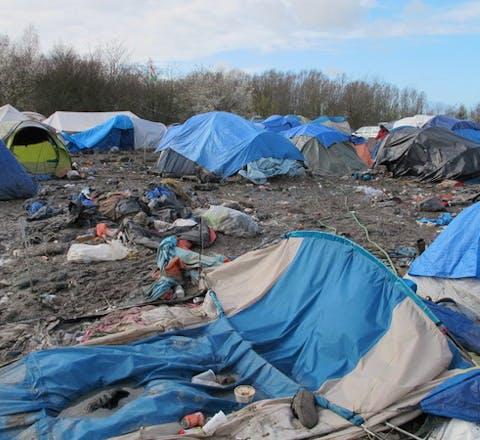 Het kamp in Grand-Synthe, in de buurt van Duinkerken in Frankrijk, voordat het eind 2016 werd ontruimd
