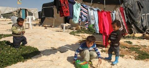 Spelende kinderen in Susya