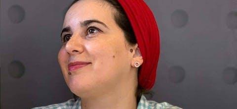 Hajar Raissouni uit Marokko zit vast na beschuldiging van abortus. Mogelijk spelen politieke motieven ee rol bij haar arrestatie