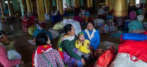 Vrouwen in een tijdelijke opvang in een klooster in Hsipaw, Shan staat. Januari 2019