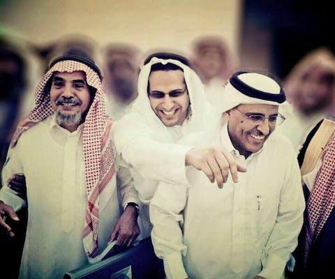 Dr. Abdullah al-Hamid en Dr. Moahmmad al-Qahtani zijn oprichters van de Saudi Civil and Political Rights Association (ACPRA). Hier met hun advocaat (midden), Waleed Abu al-Khair, die een andere mensenrechtenverdediger is. Alle 11 oprichtende leden zitten momenteel gevangen.