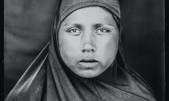 De jongere broer van Rohingya Senowara (25) werd voor haar ogen vermoord door het Myanmarese leger.