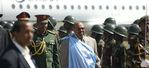De voormalige president van Sudan Omar al-Bashir wordt beschuldigd van genocide