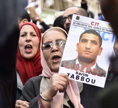 In Algerije is Karim Tabbou, leider van oppositiepartij Union Democratique et Sociale, eveneens tot 1 jaar cel en een boete van 375 euro veroordeeld.