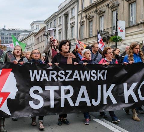 Protest tegen de verdere inperking van het recht op abortus in de Poolse hoofdstad Warschau, juli 2018