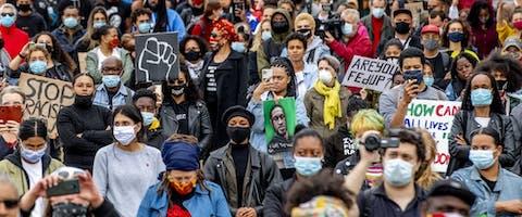 Op 10 juni 2020 demonstreerden duizenden mensen tegen racisme in het Nelson Mandelapark in Amsterdam-Zuidoost
